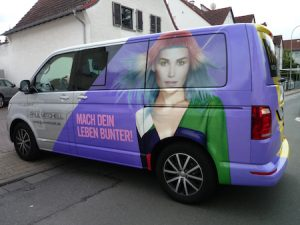 Fahrzeugbeschriftung Beispiel Van.